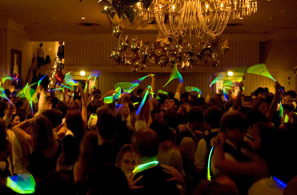 Small wonder media mclean high school prom students light up the dance floor with glow for 13th floor glow stick